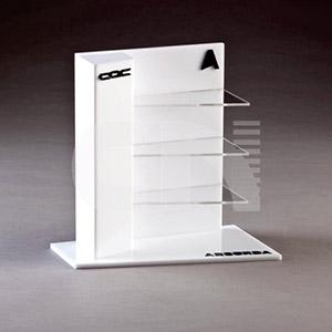 CN Acrilycs - Display em acrílico branco e cristal.