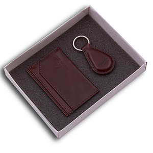 Kit masculino contendo um porta-cartão e um chaveiro em couro legítimo - Duna Brindes
