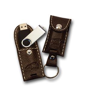 duna-brindes - Porta-pen Drive confeccionado em couro legítimo, sintético ou ecológico