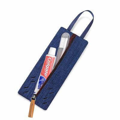 Secoli Brindes - Kit bucal com bolso para escova e creme dental. Sua marca oferecendo conforto e bem estar ao cliente!