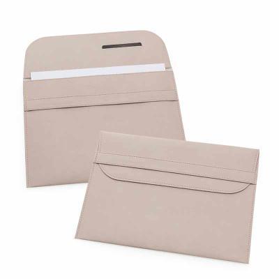 Pasta envelope com base flexível e fechamento através de aba.Sua marca oferecendo facilidades na vida do cliente! - Secoli Brindes