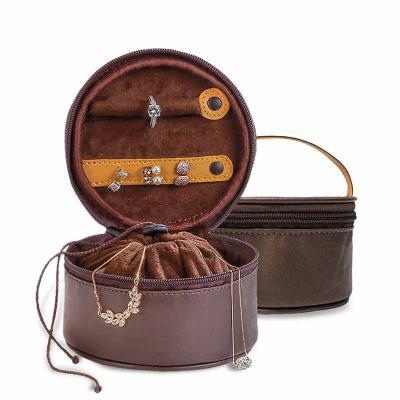 Secoli Brindes - Para viagens ou no dia-a-dia, mantém as jóias organizadas. Possui separação para anéis, brincos, correntes e outros acessórios, mantendo-os protegidos...