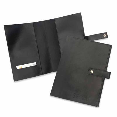 Este porta manual de carro conserva e mantém manual e documentos do veículo organizados e sempre à mão.