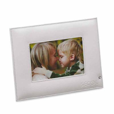 Secoli Brindes - Porta retrato elegante, associa sua marca a agradáveis lembranças.