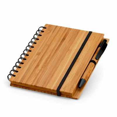 crazy-ideas - Caderno. Bambu. Com 70 folhas pautadas de papel reciclado. Incluso esferográfica de bambu. 135 x 180 mm