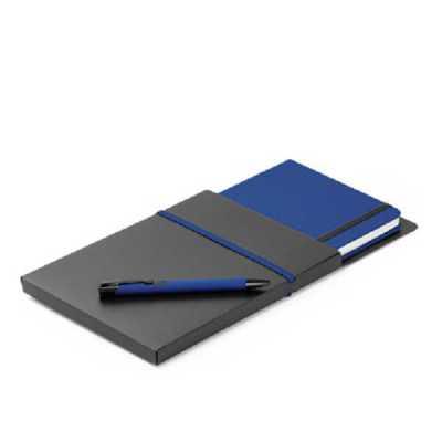 Kit de caderno e esferográfica. C. sintético. Com 80 folhas não pautadas. Fornecido com caixa presente em PP. Esferográfica: ø10 x 137 mm | Caderno: 1... - Crazy Ideas
