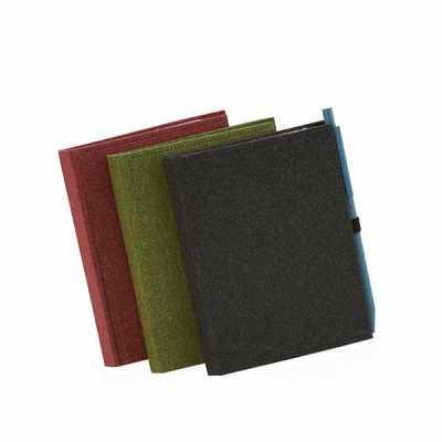 Bloco de anotações com capa dura, sticky notes e miolo sem pauta na cor branca. Dimensão Produto:...