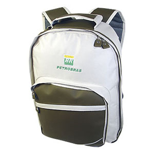 Mochila personalizada em poliéster 600, com sintético servilha, porta notebook, bolso frontal com 2 bolsos, bolso do fundo porta capa de chuva.