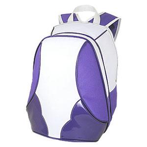 Mochila personalizada em poliéster 600 com detalhes em vinil, bolso grande frontal - Medidas: 28 x 37 x 17 cm.