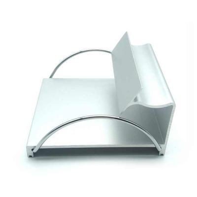 crazy-ideas - Porta papel e porta caneta em alumínio anodizado prata com detalhes em metal cromado. Possui borracha antiderrapante na base. Acompanha bloco de papel...