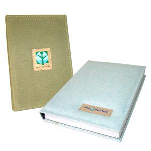 Ecofábrica - Agenda Ecológica Personalizada, com miolo em papel reciclado e capa fixa em lona de algodão colorida ou reciclada de cargas de caminhão.