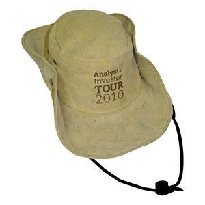 ecofabrica - Chapéu Australiano, material: lona 100% algodão, carneira em tecido, cordão roliço sintético preto, com regulador de plástico e botões de pressão metá...