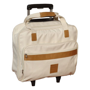 Ecof�brica - Mala de viagem personalizada em lona de algod�o cru. Medidas: (44 x 40 x 16 cm). Detalhes em couro reciclado pintado. Personaliza��o por grava��o baix...