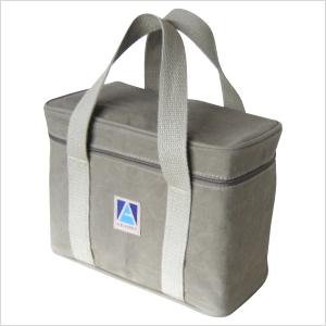 Ecofábrica - Necessaire ecológica personalizada, em lona 100% algodão reciclada ou lona nova colorida areia (artigo 490 gr / m²) - Compartimento principal acesso p...