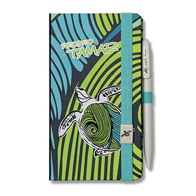 Papertalk costurado com fechamento com elástico e clip. Porta caneta elástico com caneta personalizada.