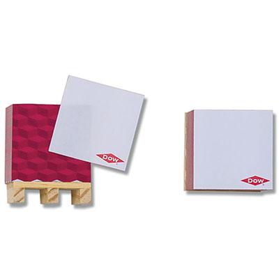 Cubos com sticky notes personalizados e com impressão nas laterais em 4 cores.