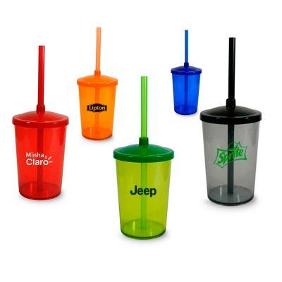 - Copo personalizado com tampa e canudo, produzido em PS cristal em cores translúcidas, standard e neon em alto brilho, com capacidade para 350ml. Ideal...