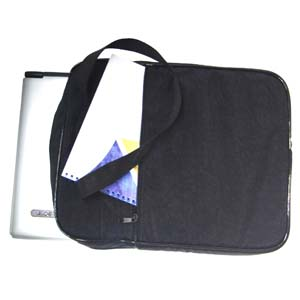 Bolsa personalizada na cor preta, com dois compartimentos para o transporte de materiais.