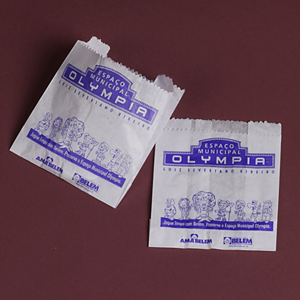 Algo Mais - Saco de hambúrguer personalizado confeccionado em papel, medindo 13,5 x 13,5 cm fechado. Quantidade mínima 20.000 unidades. Gravação até 3 cores. Torn...