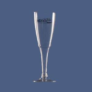 Taça tulipa de champagne confeccionada em plástico rígido transparente com capacidade de 130 ml. Quantidade mínima: 1.000 unidades. Gravação direta na... - Algo Mais