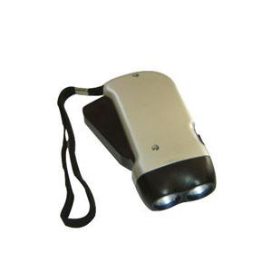 Lanterna dínamo para utilizar o produto não é necessário o uso de pilha. - Need Promocional
