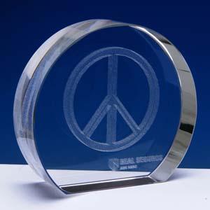 crystallium - Cristal Personalizado com gravação a laser interna tridimensional. Modelo: Arco.