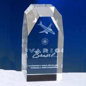 crystallium - Cristal Personalizado com gravação a laser interna tridimensional. Modelo: Montanha.