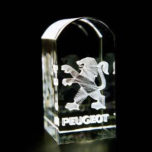 crystallium - Cristal Personalizado com gravação a laser interna tridimensional. Modelo: Round Top.