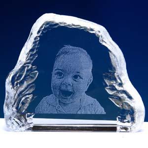 crystallium - Cristal Personalizado com gravação a laser interna tridimensional. Modelo: Free Shape.