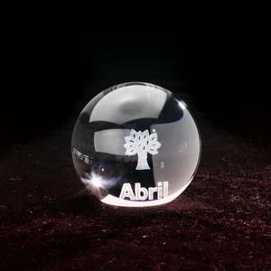 crystallium - Cristal Personalizado com gravação a laser interna 3D. Modelo: Esfera de cristal.