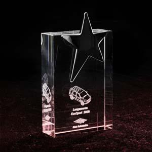 crystallium - Cristal Personalizado com gravação a laser interna 3D. Troféu de cristal com estrela dourada. A personalização é feita a laser, dentro do cristal.