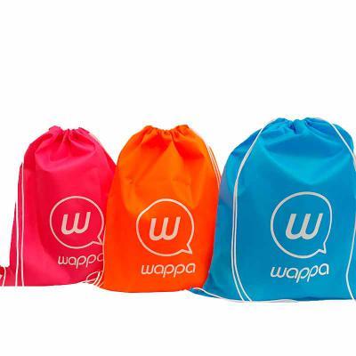 imagine-pack-brindes - Sacoemnyloncom várias opções em cores. Sacochila em nylon resinado.