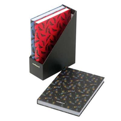 Lamarca Brindes - Kit Cacharel com 3 cadernos de capa dura. Cada caderno com 80 folhas lisas. Fornecido em caixa de oferta. 113 x 152 x 49 mm, os estoques estão sujeito...