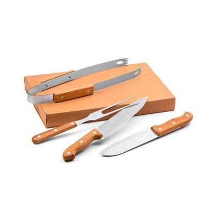 Lamarca Brindes - Kit churrasco. Aço inox e bambu. 4 peças em caixa kraft. Food grade. Caixa: 365 x 200 x 55 mm, 01 gravação