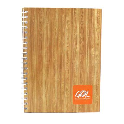 - Caderno. Tamanho: 20x28 cm capa dura papelão 1.7 paraná revestido cor arte/logo na capa: 4 cores miolo 96 fls : com gravação 01 cor / papel cert. FSC...