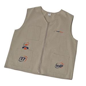 Com 2 bolsos na frente, fechamento em ziper, personalizado em silk ou bordado. - Opção Promocional