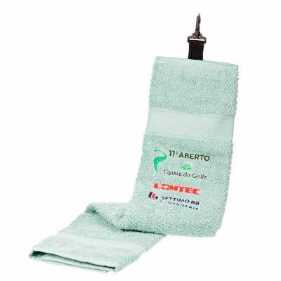 Toalha de golfe, ideal pra limpeza de taco e bolinha, 100% algodão, logo bordado, mosquetão pra p...