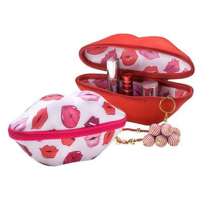 Rampazzo Brindes Especiais - Nécessaire em formato de beijo termo moldado com revestimento, zíper e gravação personalizada.