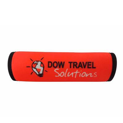 Brinde & Leve - Um produto muito utilizado para quem viaja bastante, o protetor de alça de mala é muito útil para além de proteger a alça, proteger a mão evitando cal...