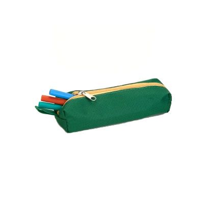 - Porta lápis em poliéster/nylon, dimensões: 20 x 05 cm.