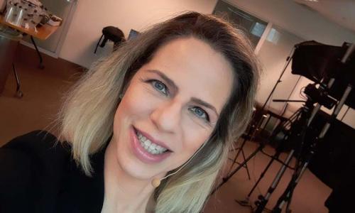Eventos Virtuais e Híbridos - Karin Santos - apresentadora