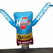Boneco inflável personalizado. Visibilidade garantida para o seu ponto de venda!