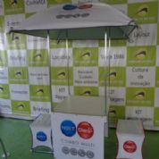 Tendas + Infláveis Orvalho do Sol - Kit kombogeo com mesa e banquetas