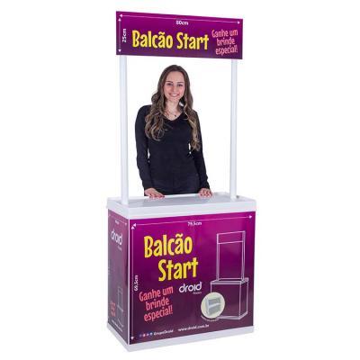 Balcão Promocional fabricado em PS, leve e versátil, fácil de montar, possui tampo e prateleira....