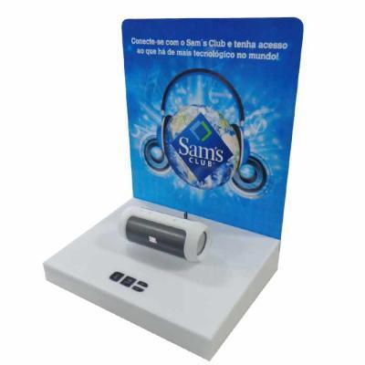 Expositor de mesa em MDF revestido e PS com impressão digital. Botões para interação com produto...