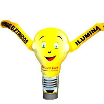 Boneco inflável personalizado com logotipo.