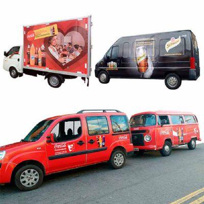 Veículos adesivados personalizados