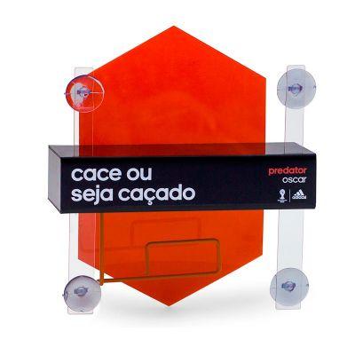 Display de vitrine desenvolvido exclusivamente para Adidas, feito em acrílico cristal, preto e laran...
