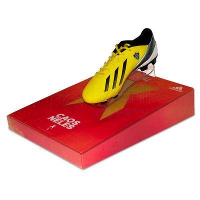 Display expositor para chuteira, desenvolvido exclusivamente para Adidas, feito em acrílico cristal,...