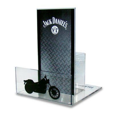 Porta guardanapos desenvolvido exclusivamente para Jack Daniel's, feito em acrílico cristal, com impressão digital, corte a laser, dobra e colagem esp...